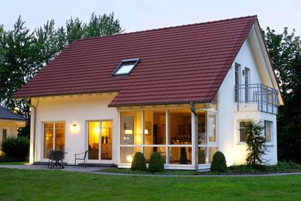 Einfamilienhaus in der Abendämmerung
