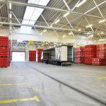 Verladung in einer Lagerhalle Getränkeindustrie